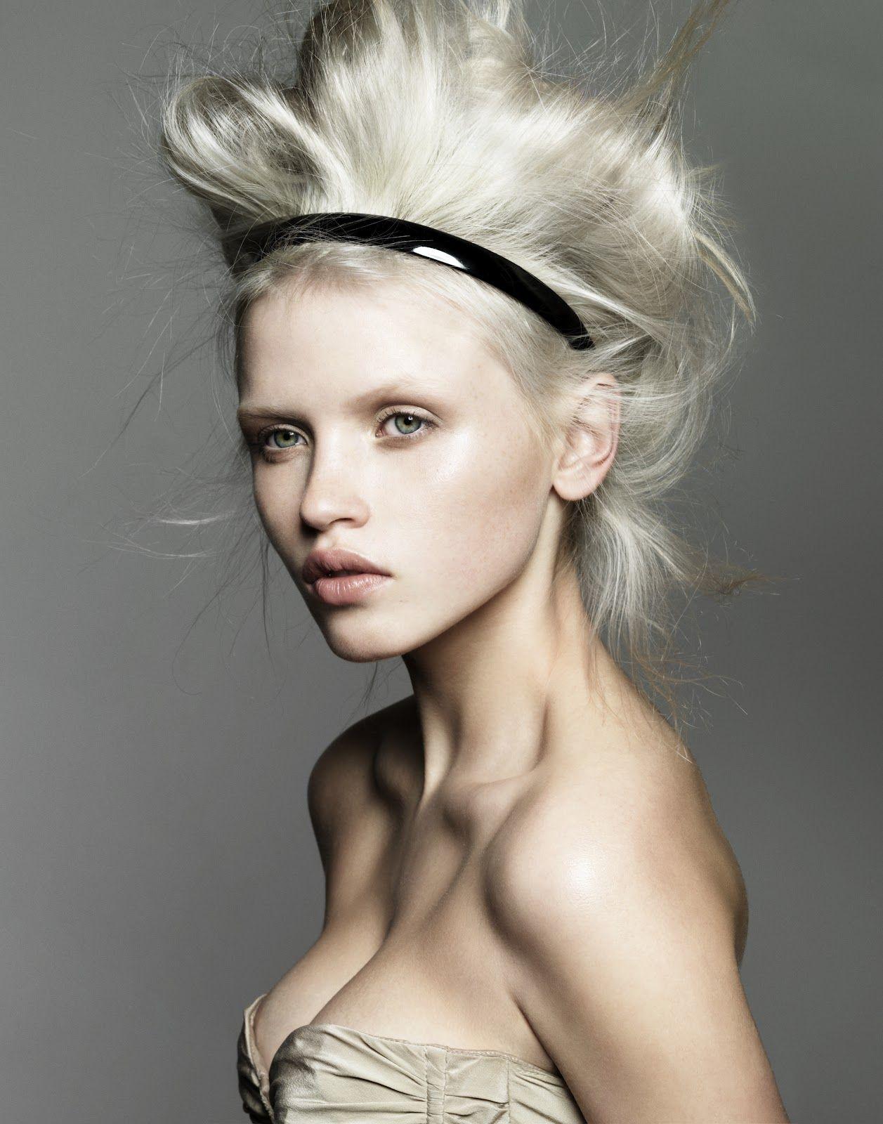 Hannah Holman Nude Photos 98
