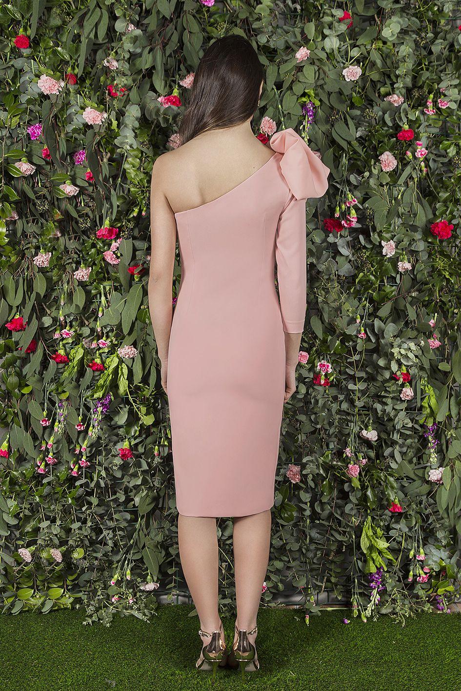 BIANCA #dress from the back. Vestido con un hombro al aire, ajustado ...