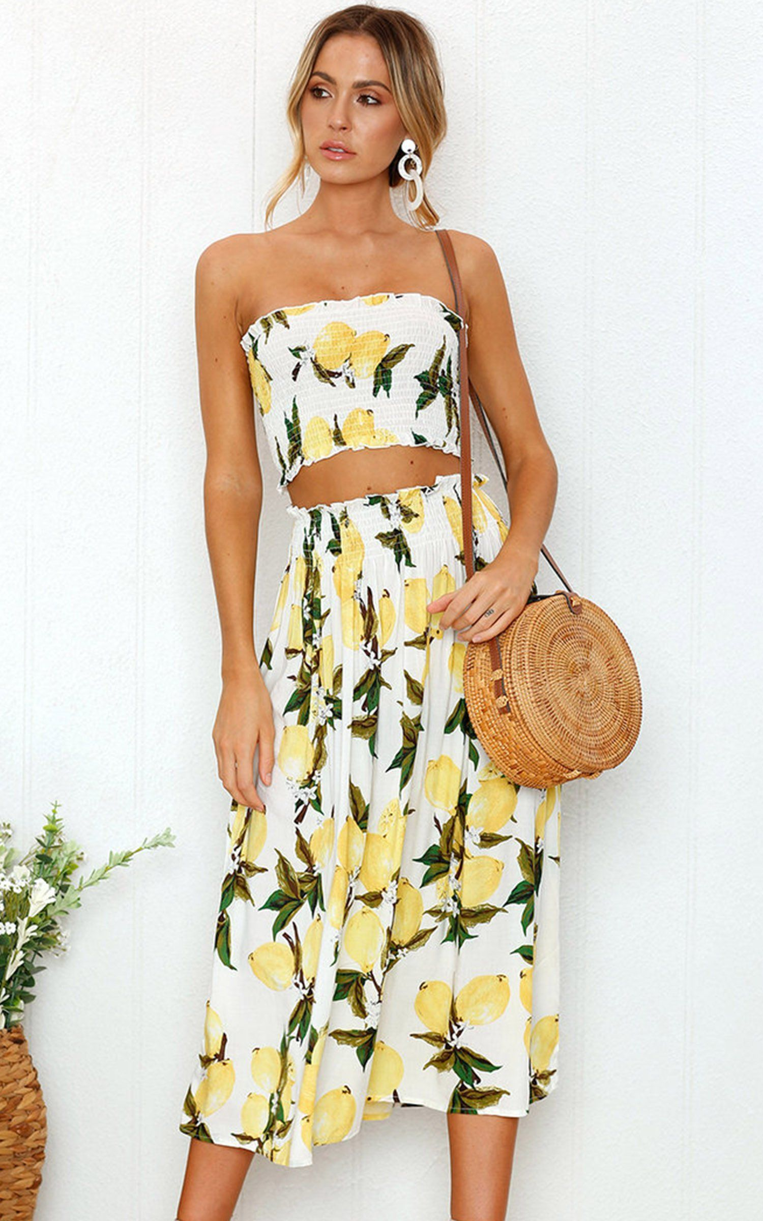 Angashion Womens Floral Crop Top Maxi Skirt Set 2 Piece Outfit Dress Lemon S Check This Awesome Product Maxi Skirt Crop Top Maxi Skirt Outfits Skirt Outfits [ 2400 x 1500 Pixel ]