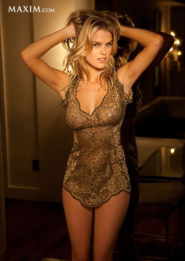 T Alice Eve Nude Star Trek