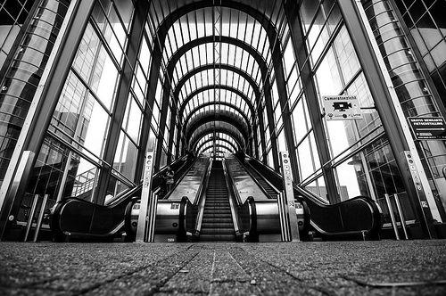 Chercher. © Ronnie Spoelstra. In Transit. Zoetermeer, The Netherlands.