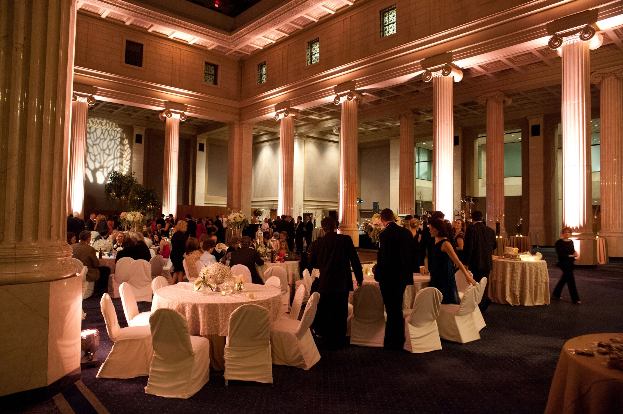 The Columns Wedding By Southern Event Planners In Memphis Tennessee Photo Courtesy Snap Hy