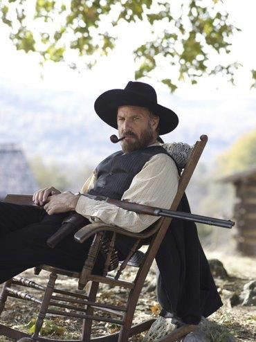 Hatfield S And Mccoy S Kevin Cosner Kevin Costner Hatfields And Mccoys Hatfield