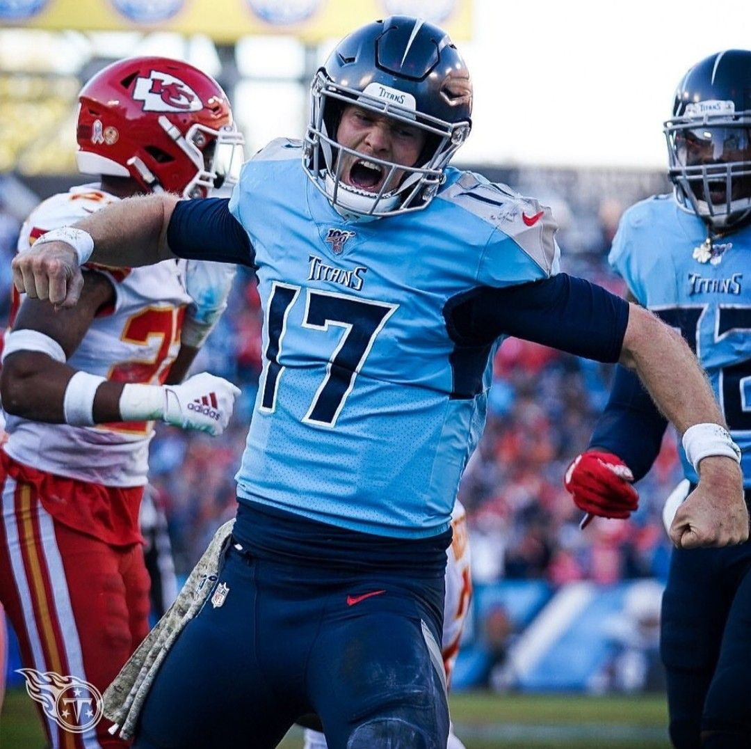 Ryan Tannehill Celebrates Win Against Chiefs 35 32 11 10 19 In 2020 Tennessee Nfl Titans Football Tennessee Titans Football