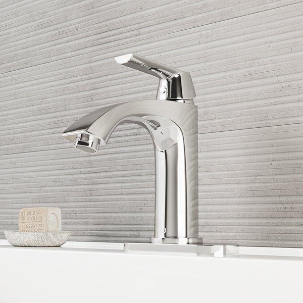 Vigo Penela Single Hole Bathroom Faucet With Deck Plate Chrome