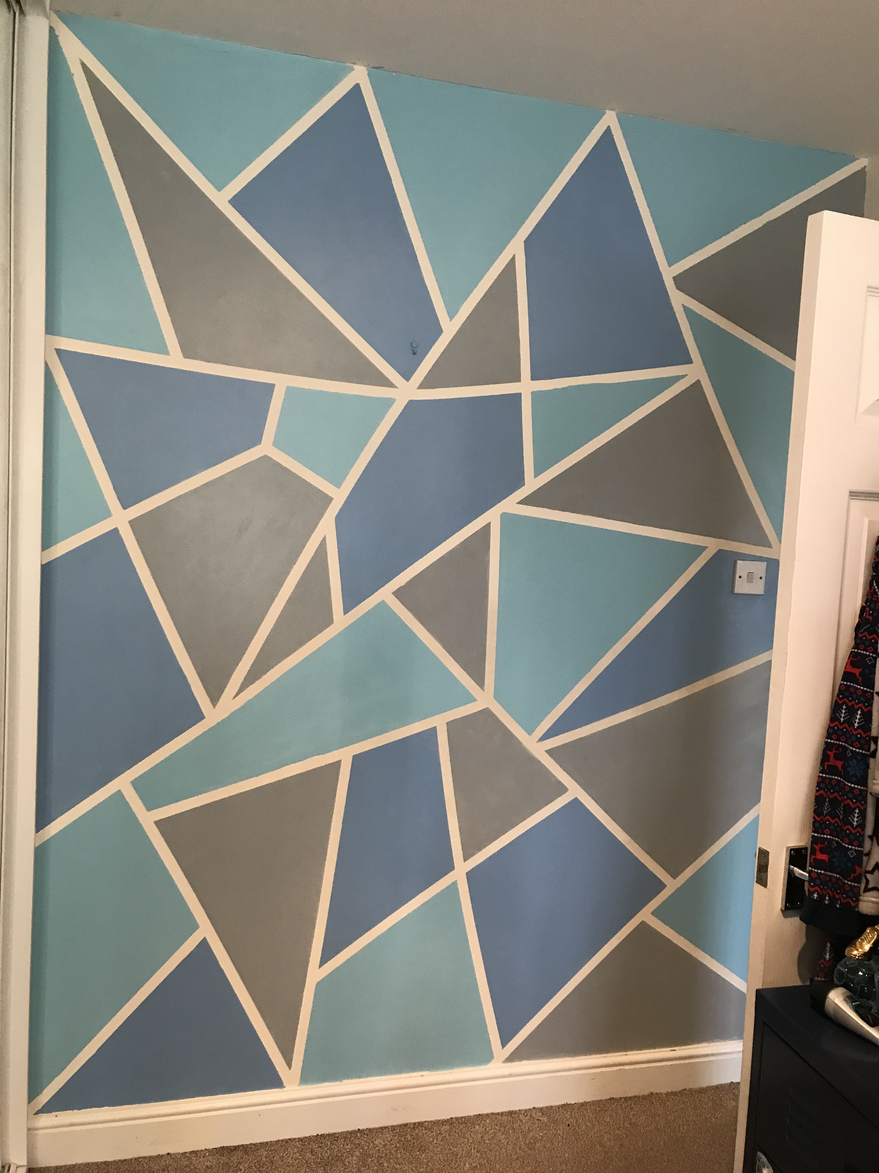 Easy Painting Idea To Glam Up A Plain Wall With Three Tins Of Paint And Some Masking Tape Bedroom Wall Paint Interior Design Girls Bedroom Bedroom Wall Designs