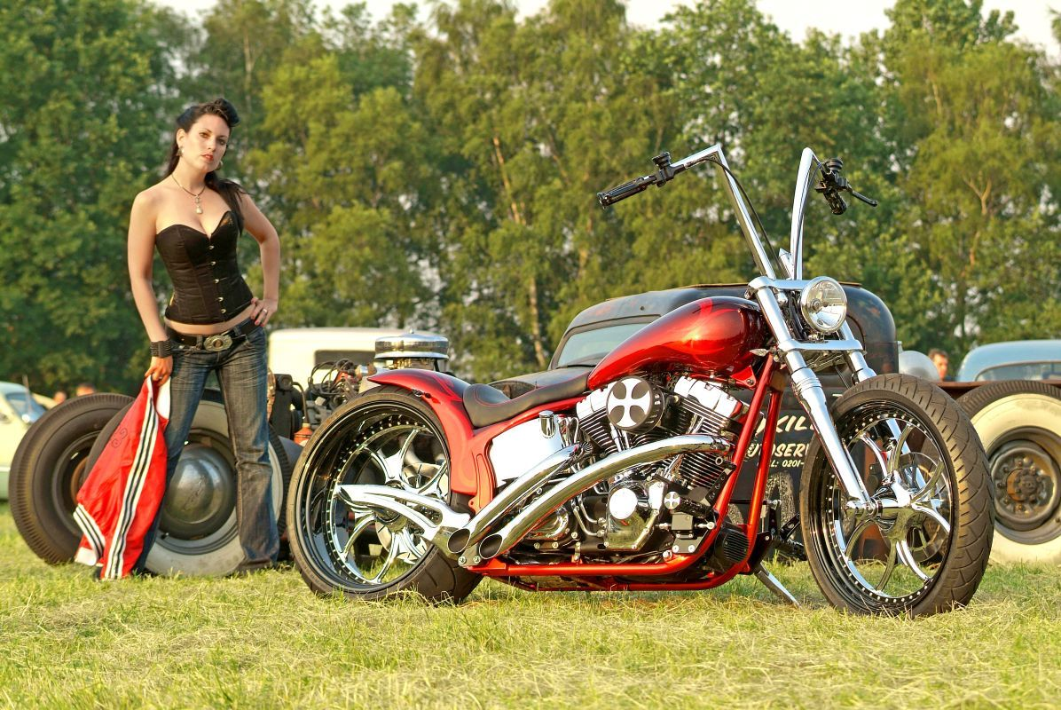 thunderbike luxury red harley davidson softail harley. Black Bedroom Furniture Sets. Home Design Ideas