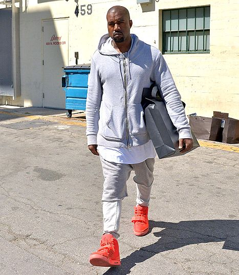 Pic New Dad Kanye West Goes Shopping In Beverly Hills Kanye West Outfits Kanye West Style Sneakerhead Outfits