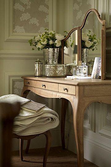 Tocador de madera con aire romántico... | muebles | Pinterest ...
