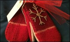 Studio 5 - Turn Old Sweaters into Gloves