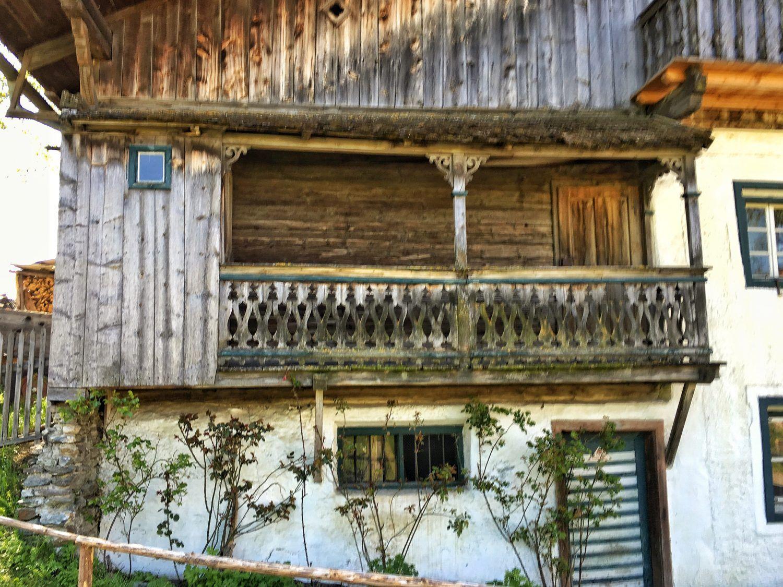 balkon bauernhaus google suche h user pinterest bauernhaus suche und balkon. Black Bedroom Furniture Sets. Home Design Ideas