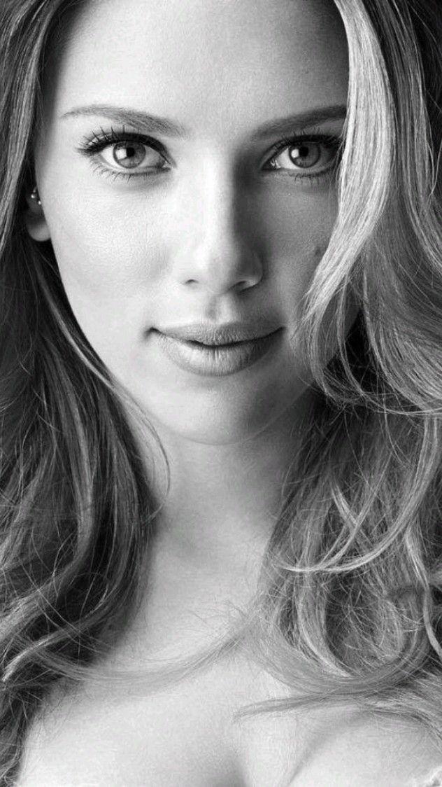 Scarlett johansson- Photo edited by AirBrush App