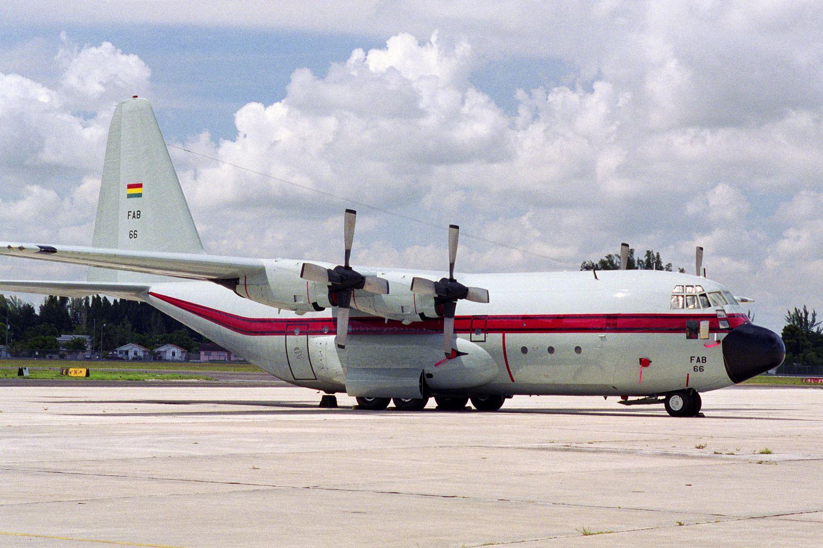 Bolivian Air Force C130B Aviation I Pinterest Air