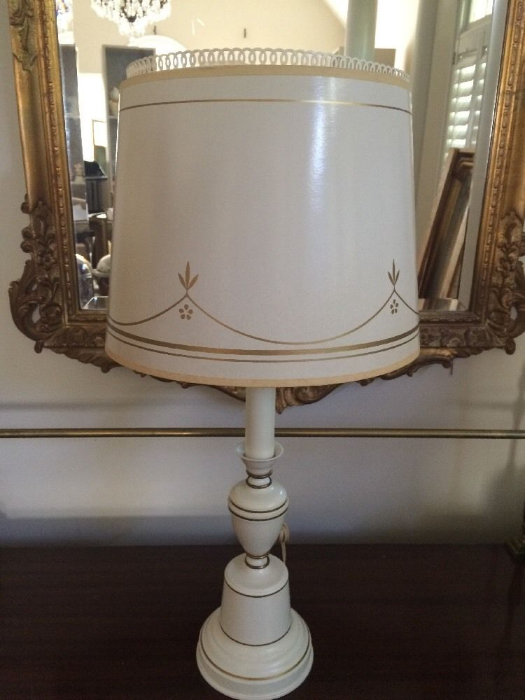 25 Lamp With Original Shade Vintage Ivory W Gold Trim Elegant Lamp Table Lamp Lamp Shade