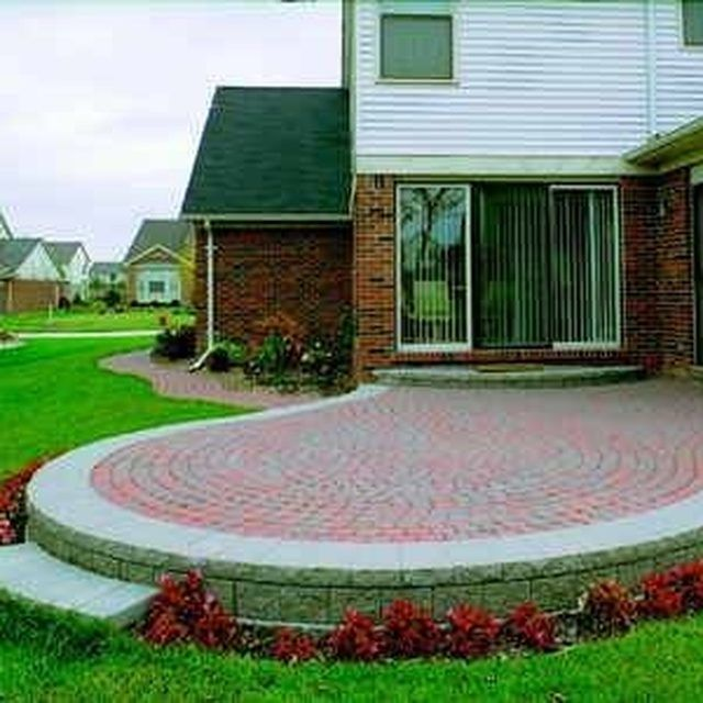 How To Build A Raised Patio Out Of Brick Pavers