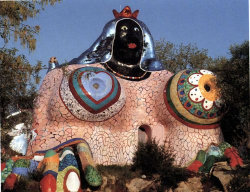 Niki de saint phalle the empress in the tarot garden - Niki de saint phalle tarot garden ...