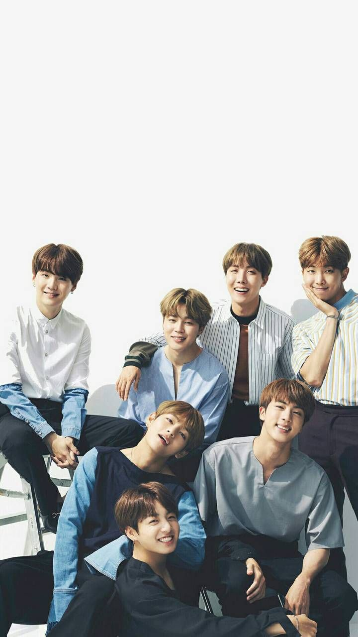 Pin By Ratu On V Bts Backgrounds Bts Group Photo Wallpaper Bts Wallpaper