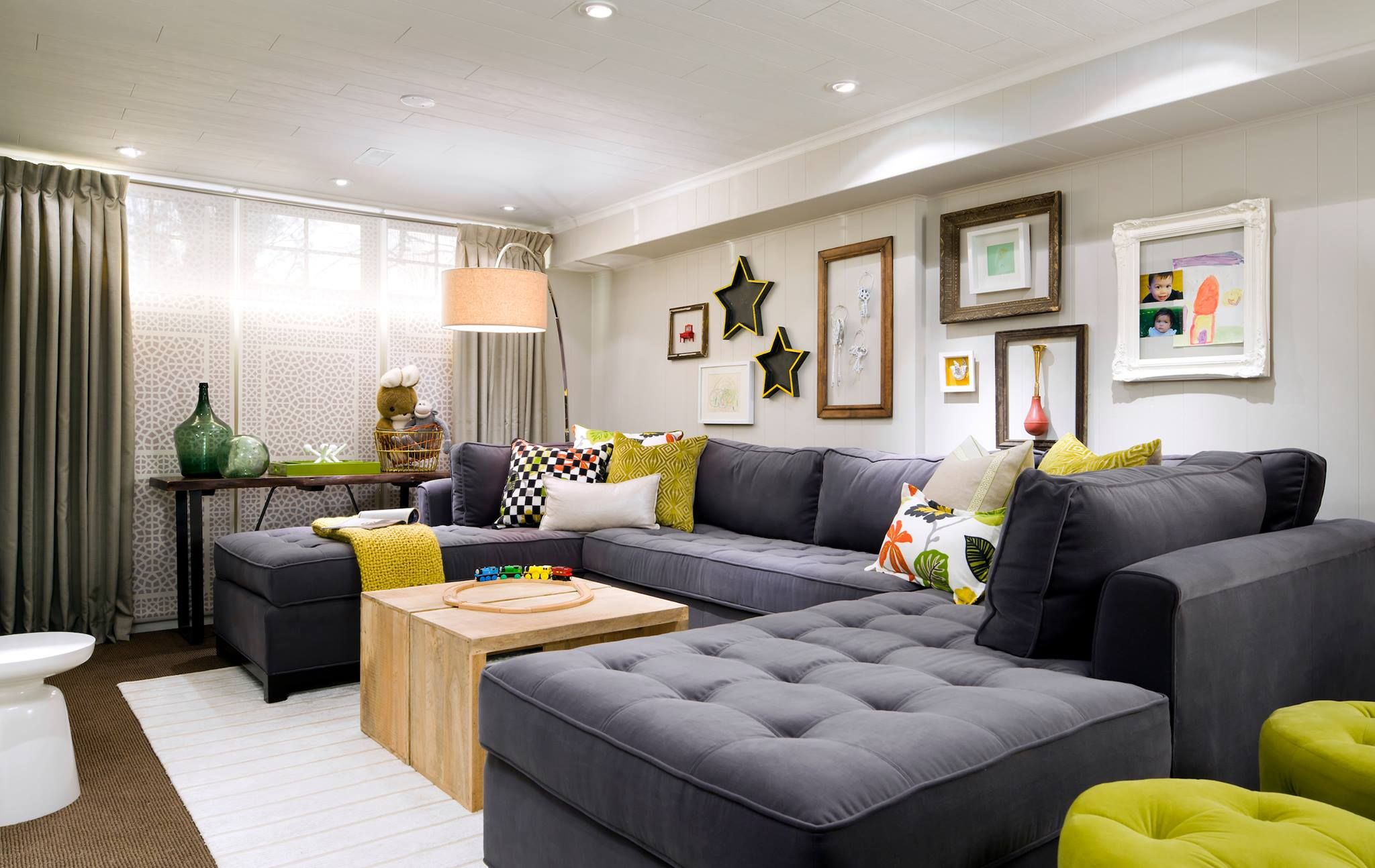 Best Small Room Big Sofa Low Ceiling And Yet It Still Looks Luxe Loving The Colors Fun Living 400 x 300