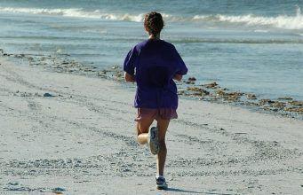 7 esercizi che trasformeranno il tuo corpo in sole 4 settimane