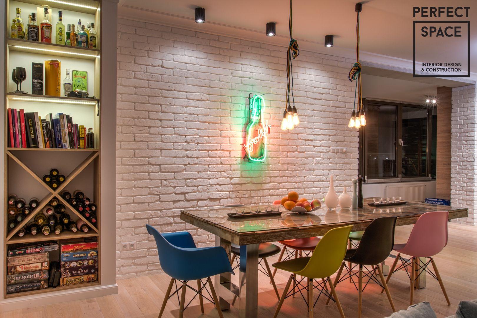 Mieszkanie Dopracowane Pod Wlasciciela Zindywidualizowane Elementy Loftowe Wstawki Calosc Utrzymana W Jednej Kolorystyce Cala Aranza Room Home White Brick