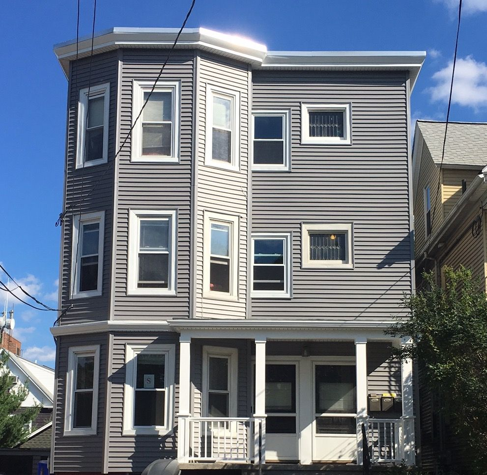 Best Using Certainteed Vinyl Siding In Charcoal Grey Makes This 400 x 300