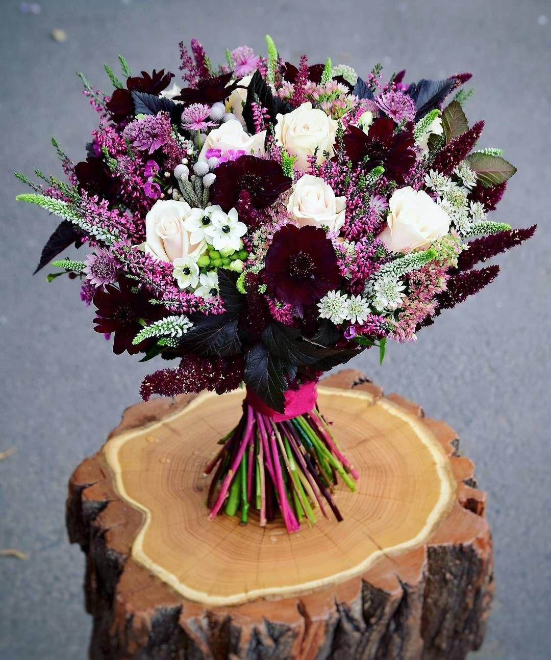 Kolejny Jesienny Bukiet Slubny Naszej Panny Mlodej Tym Razem Z Charakterem Zadziorny I Pewny Siebie Bez Dw Bridal Bouquet Wedding Bouquets Wedding Flowers