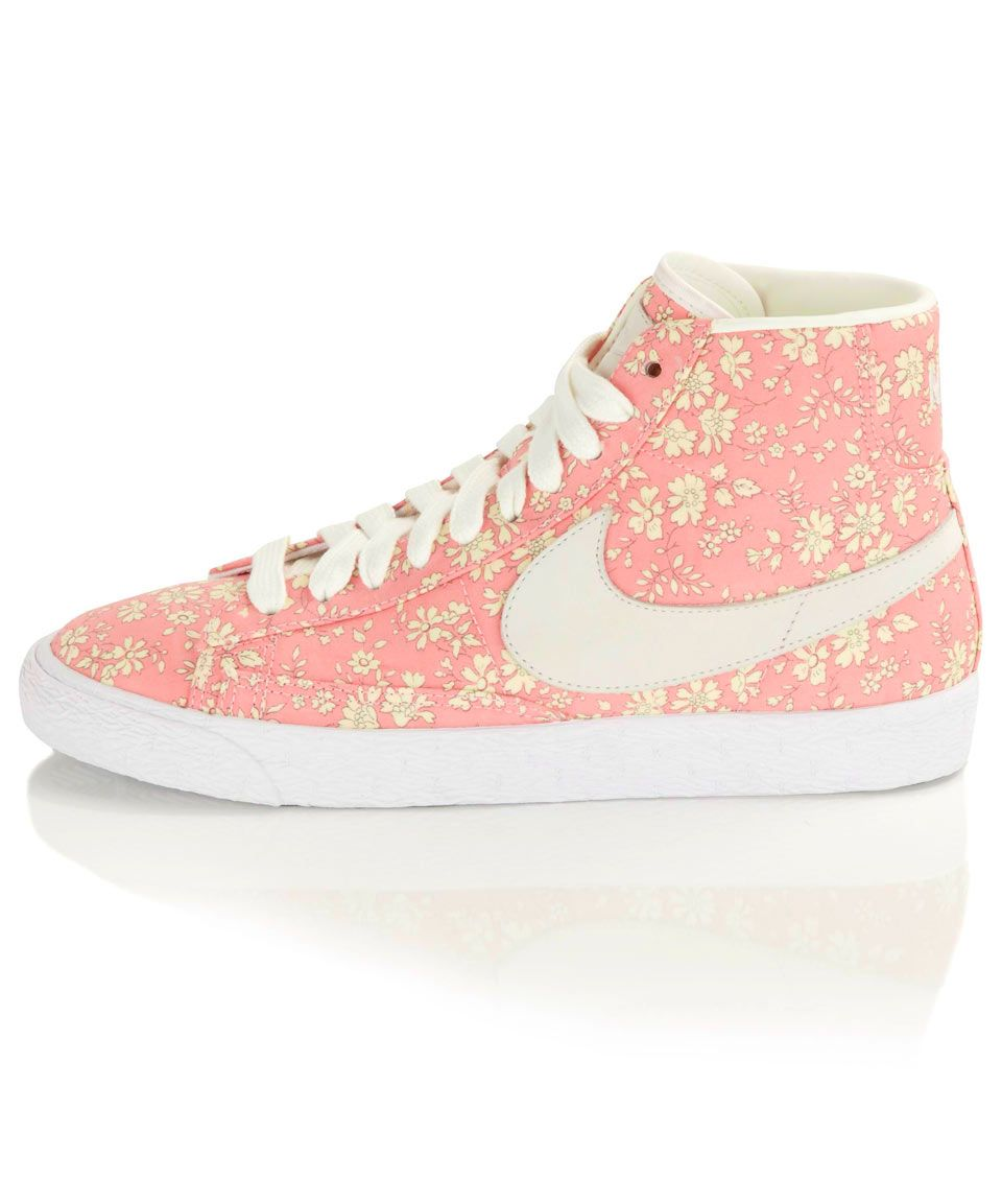nike shoes all over logo capel 902003