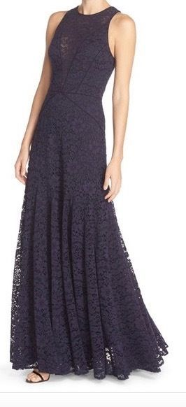 Vera Wang Designer Sleeveless Lace Gown in Navy Size 8