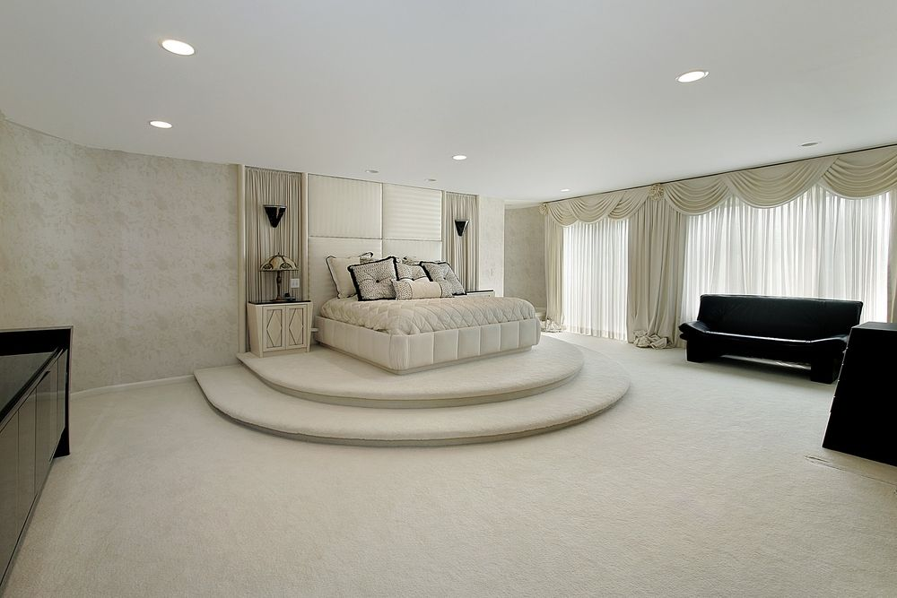 spacious master bedroom design in all white check out 43 more spacious mater bedroom design - All White Bedroom Furniture