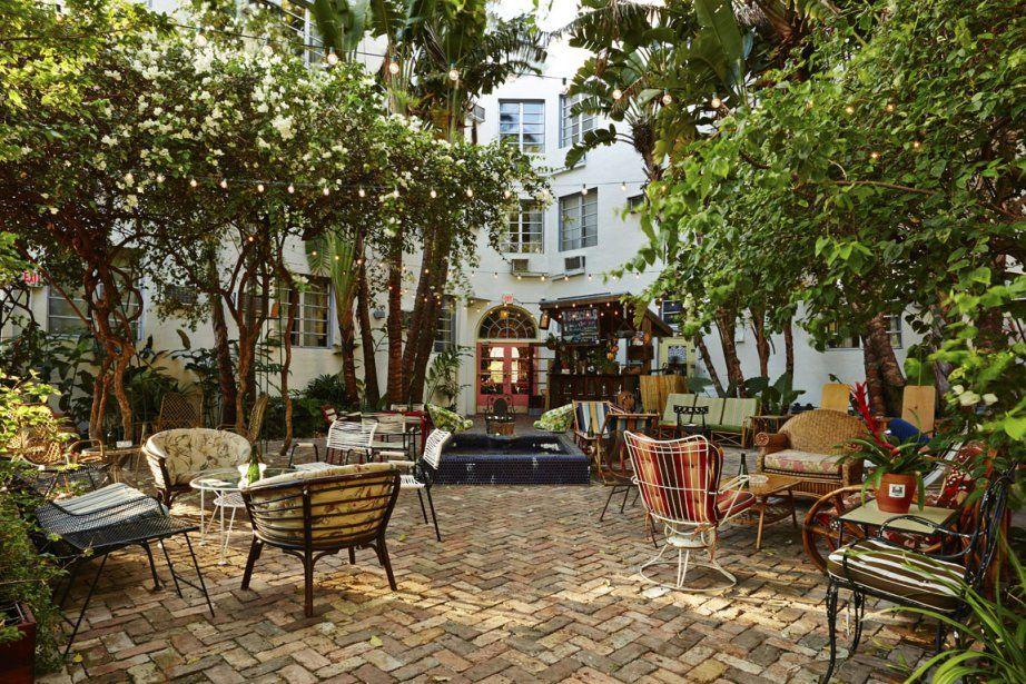 Le meilleur design d'hôtel paraît peu et fait beaucoup pour le bien-être des occupants. En remettant ses prix de design 2014, le magazine américain Travel + Leisure met en lumière des établissements où le beau et le confort cohabitent. Voici quelques-uns des hôtels primés.
