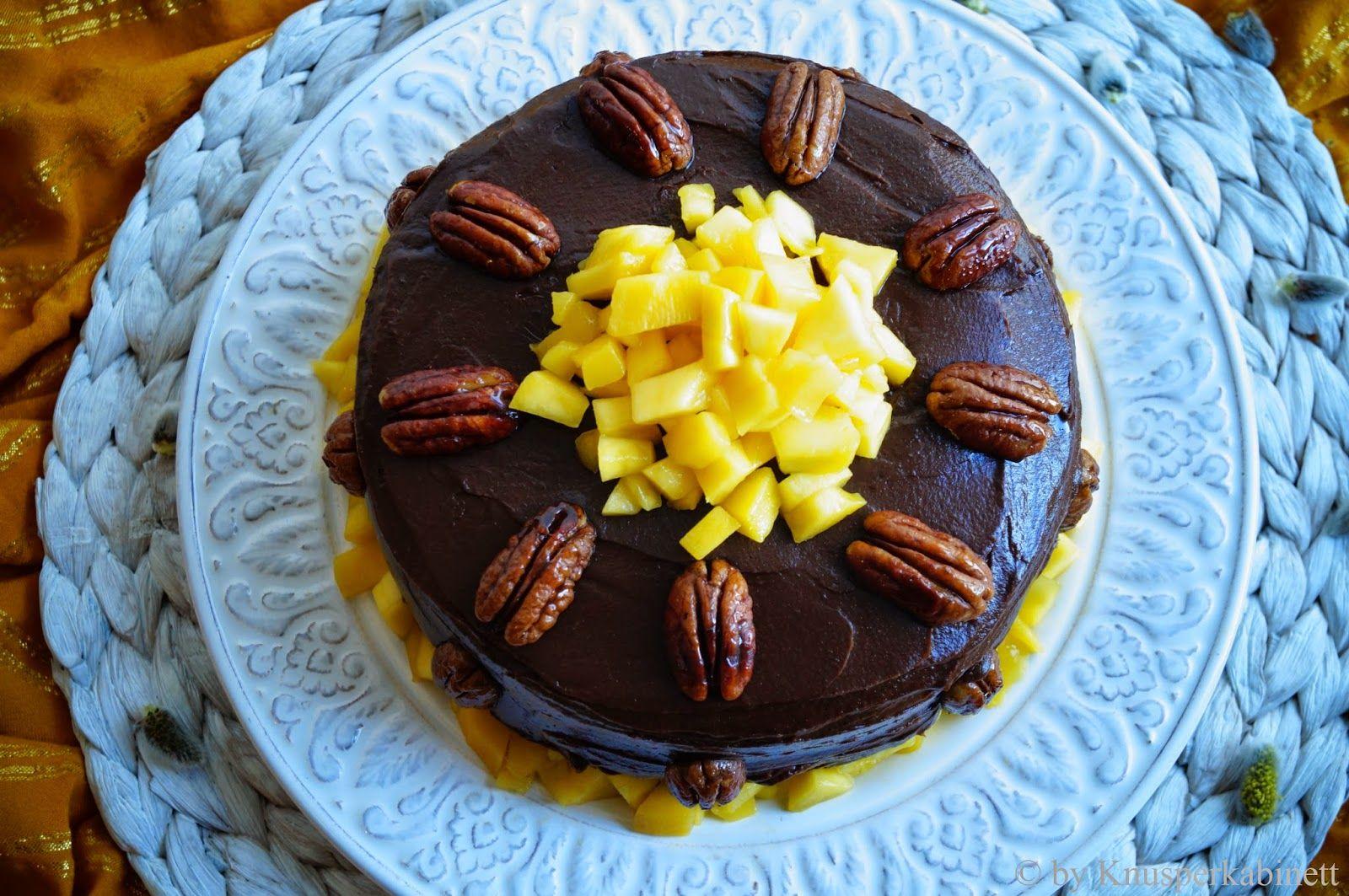 KNUSPERKABINETT: Superfood Schokoladen-Pekannuss-Torte mit Mango-Cashew-Crème