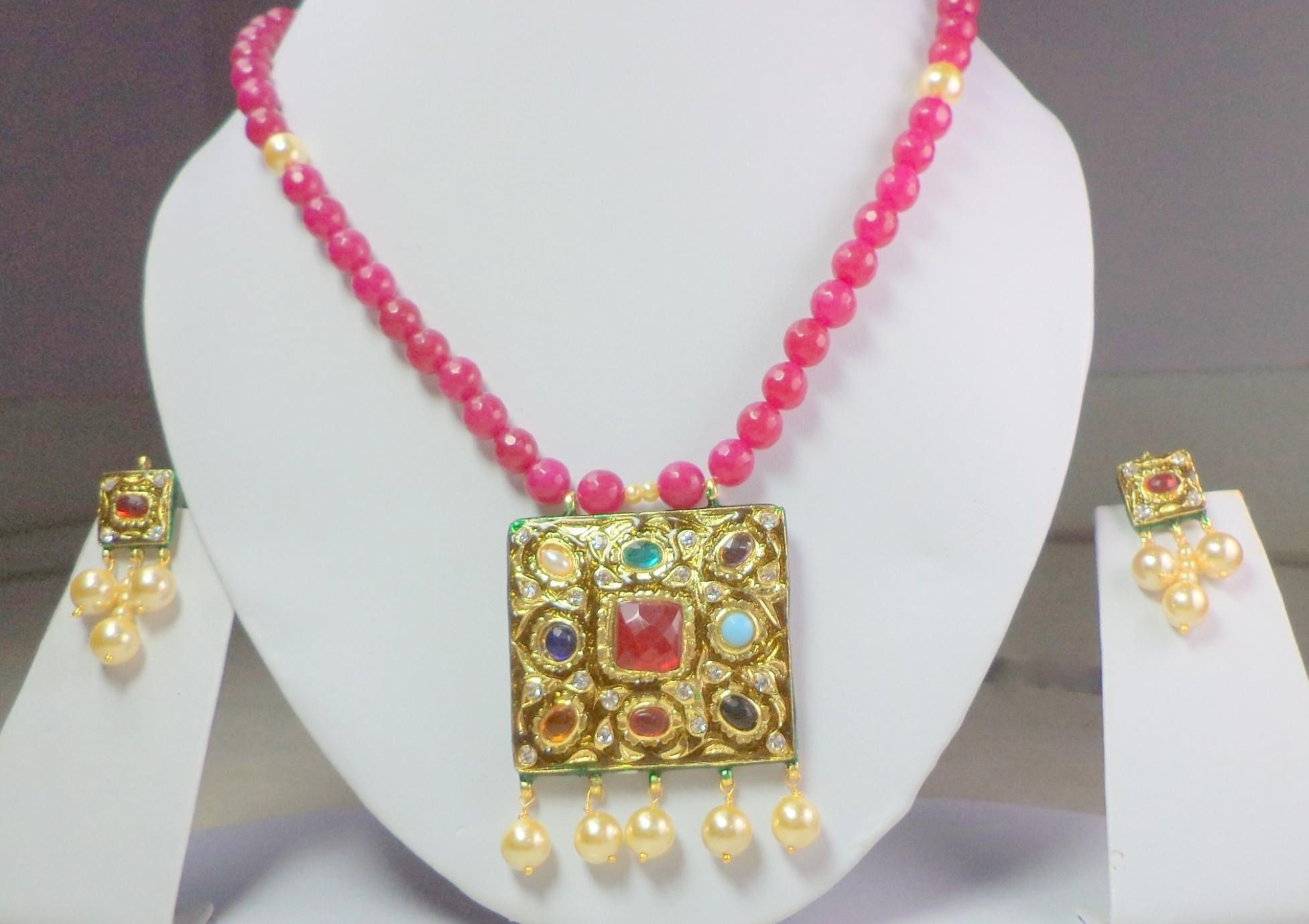 Free standard shipping beautiful navratan necklace with gorgeous