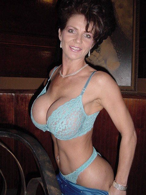 busty milf webcam