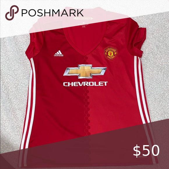 Adidas Manchester United Women S Jersey In 2020 Manchester United Adidas Women Womens Jersey