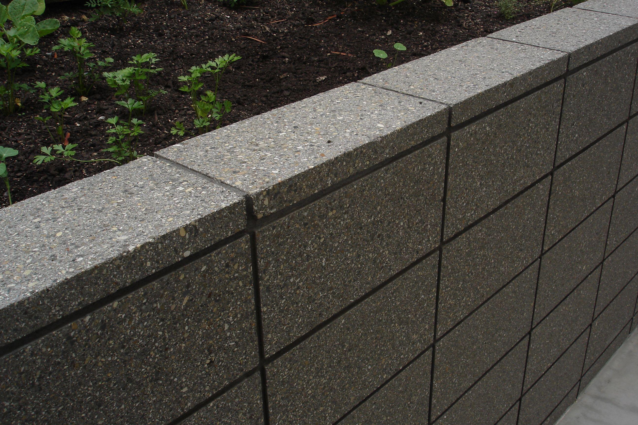 Image Result For Inline Cinderblock Retaining Walls Vancouver Concrete Retaining Walls Concrete Block Retaining Wall Landscaping Retaining Walls
