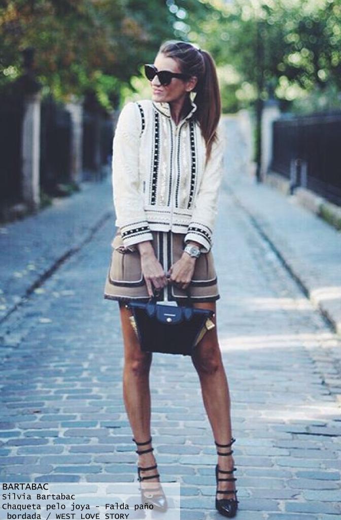 061f06b288 Bartabac blogger look outfit con falda de paño y chaqueta joya - Highly  Preppy