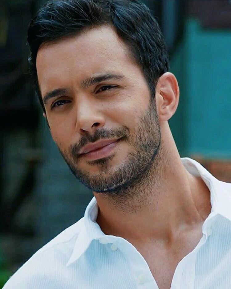 самые красивые турецкие актеры мужчины фото вовремя сломавшийся клинок