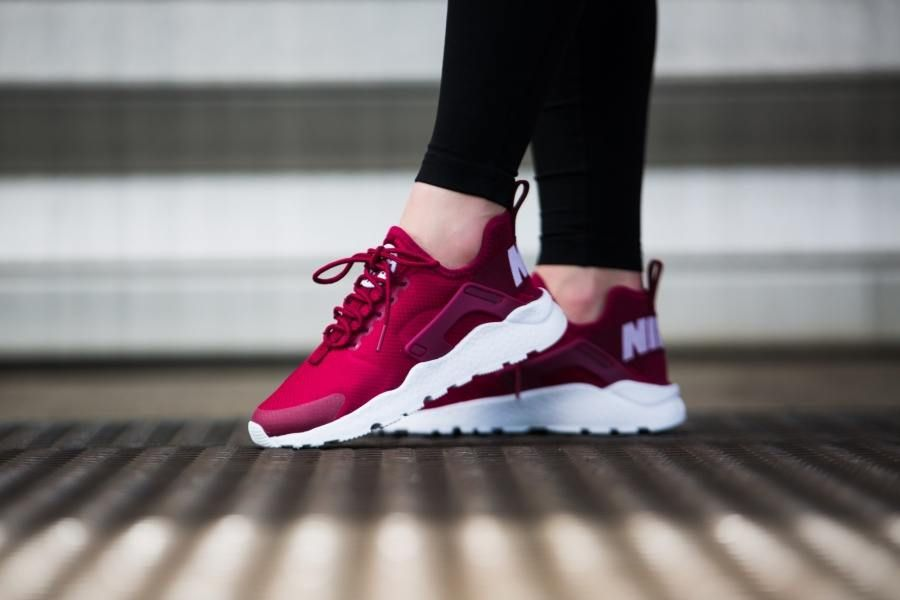 nike huarache run ultra bordeaux