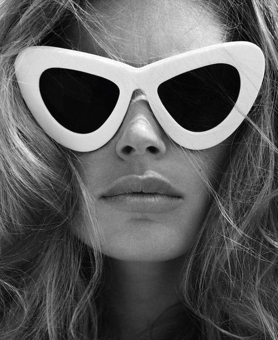 6ce40cd7b8567 Os óculos em modelo gatinho voltam com tudo diretamente dos anos Vem  conferir as inspirações e onde vocês podem comprar.