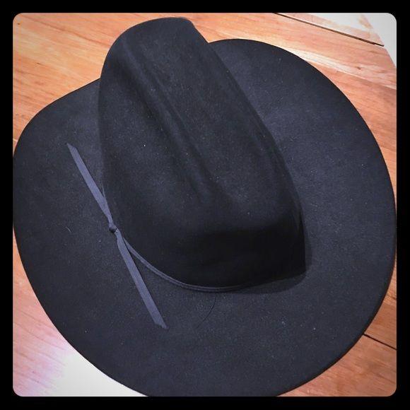 John B Stetson Cowboy Hat. Brand new only worn once John B. Stetson company  4x Beaver cowboy hat. Felt Merced Black. Size 7 1 4. Acces… 4b3d3ce4db8