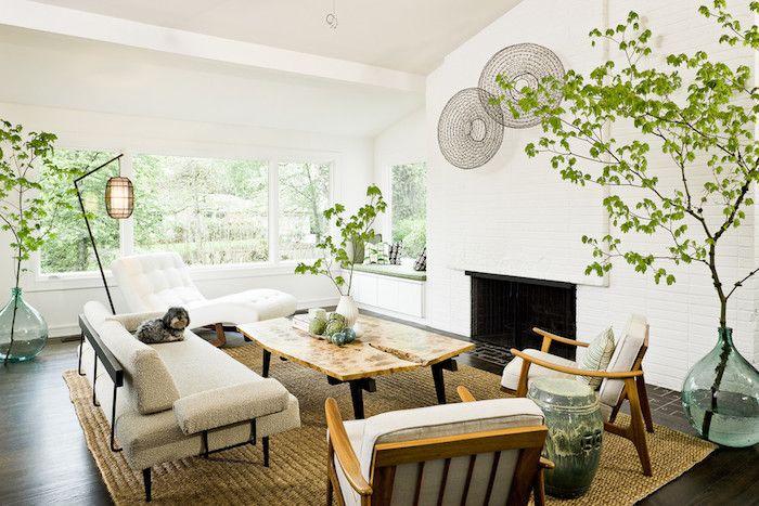 wohnzimmer in weiß im retro stil, sessel, sofa, tisch aus holz - wohnzimmer retro stil