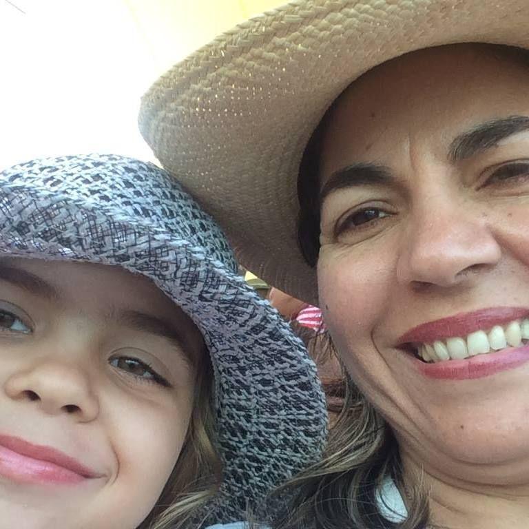 Kenia Serrano Puig Presidenta del Instituto Cubano de Amistad con los Pueblos (ICAP) Miembro de Honor de la RSI Martianos