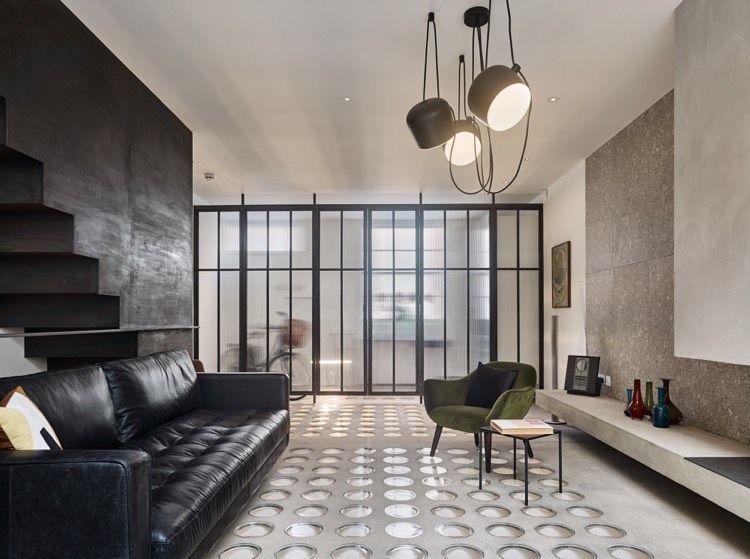 AIM Pendelleuchte von Flos in Schwarz im Wohnzimmer - wohnzimmer design schwarz