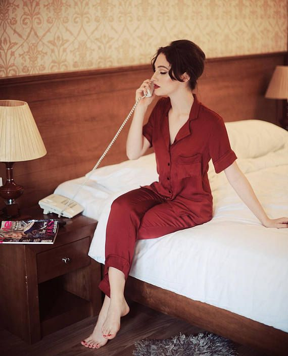 193ee13dcc37 Handmade set of silk pyjama  Silk top  This style features a delicate  notched collar