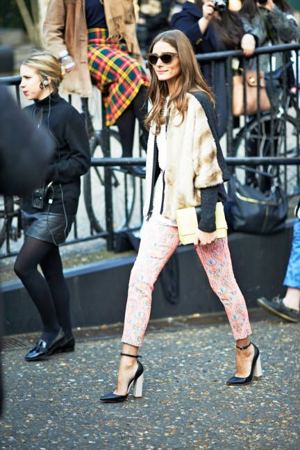 Stride on in bright, patterned pants #streetstyle