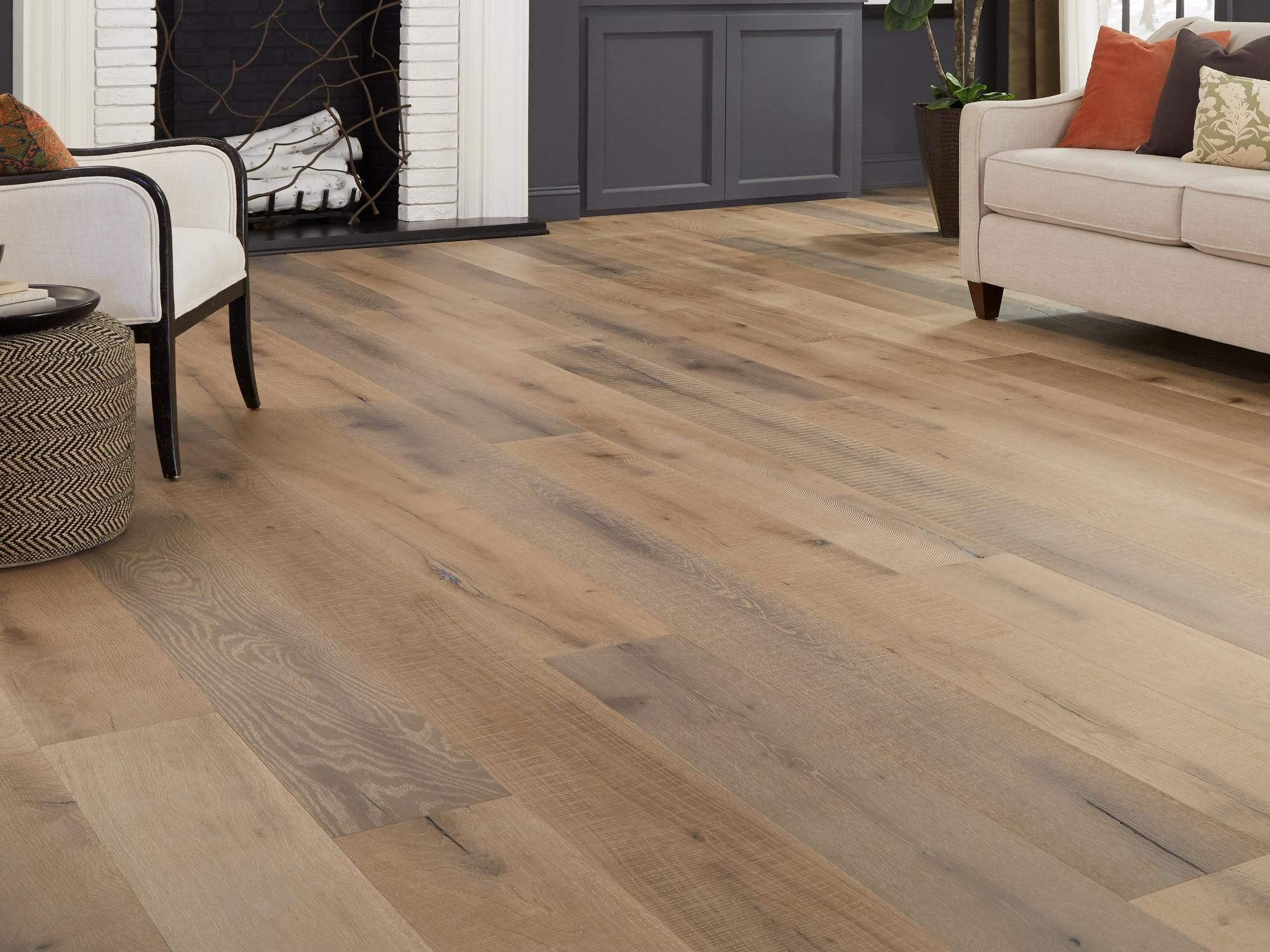 Palomino White Oak Distressed Engineered Hardwood Xl Plank In 2020 White Oak Hardwood Floors White Oak Hardwood Floors Wide Plank Engineered Hardwood Flooring Wide Plank