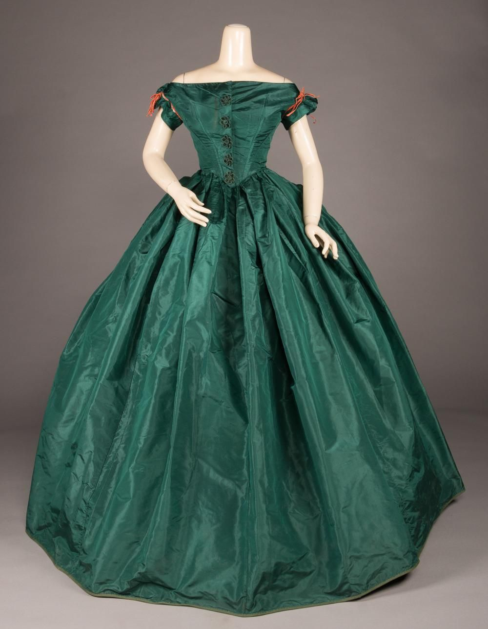 Sold Price Emerald Green Evening Gown C 1855 September 3 0120 11 00 Am Edt Green Evening Gowns Emerald Green Evening Gown Victorian Evening Gown [ 1287 x 1000 Pixel ]