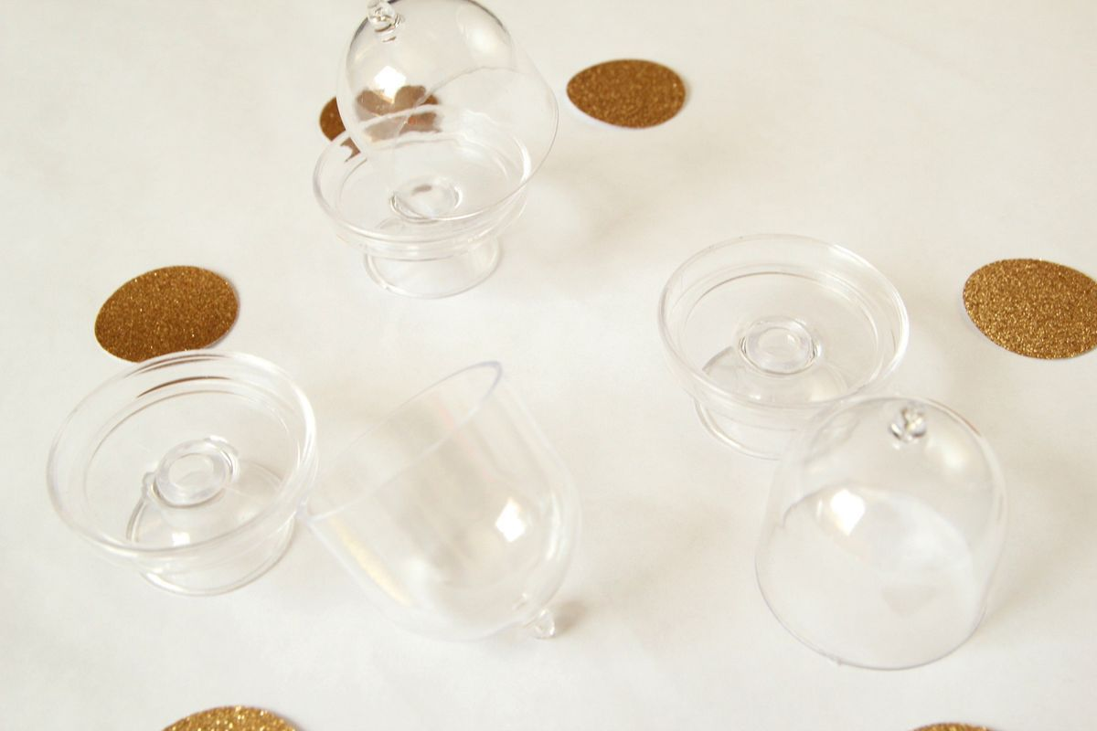 Acrylic clear cake stand with lids 12 pieces in 2020