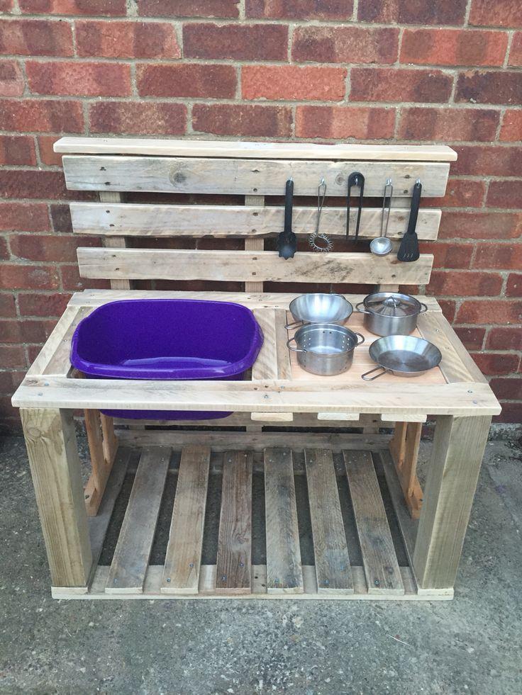 Millie's mud pie kitchen made from old pallets | Garden ...