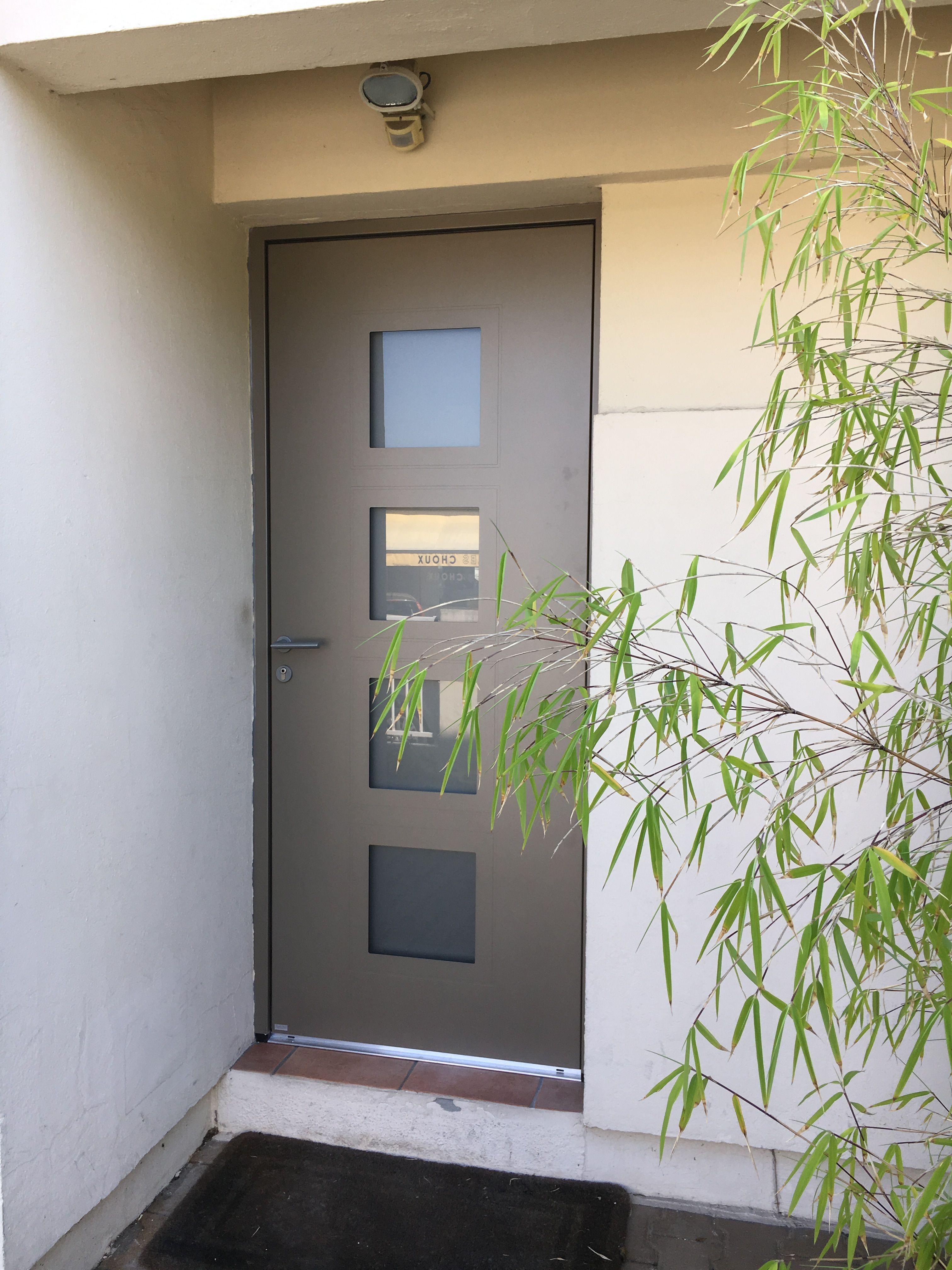 Fourniture Et Pose D Une Porte D Entree Aluminium De Chez B El M Porte Entree Aluminium Porte D Entree Maison